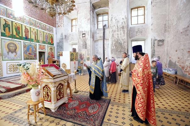 В Камешково прибыли мощи святого князя Александра Невского